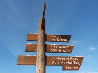 Wanderwegweiser im Harz